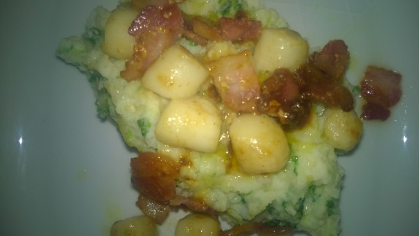 Scallops with creamy mash &cabbage….